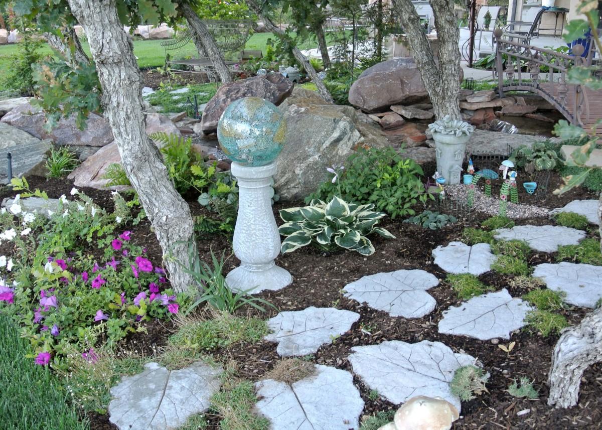 Lori's gnome garden in Utah - FineGardening on