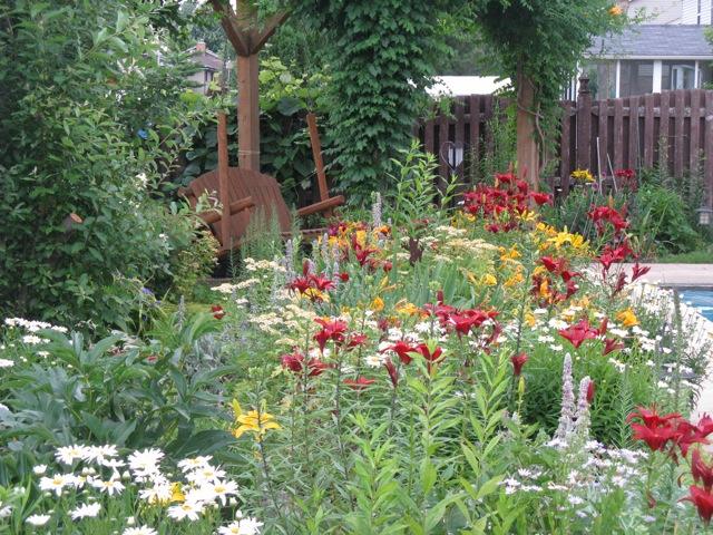 Reader Photos Christine S Garden In Illinois Finegardening
