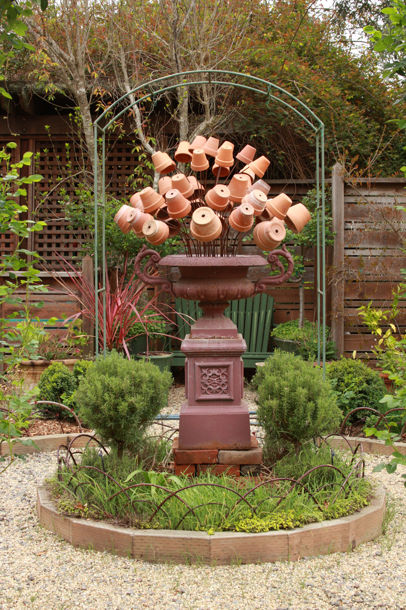 Year-round focal points from humble materials, Day 1 - FineGardening