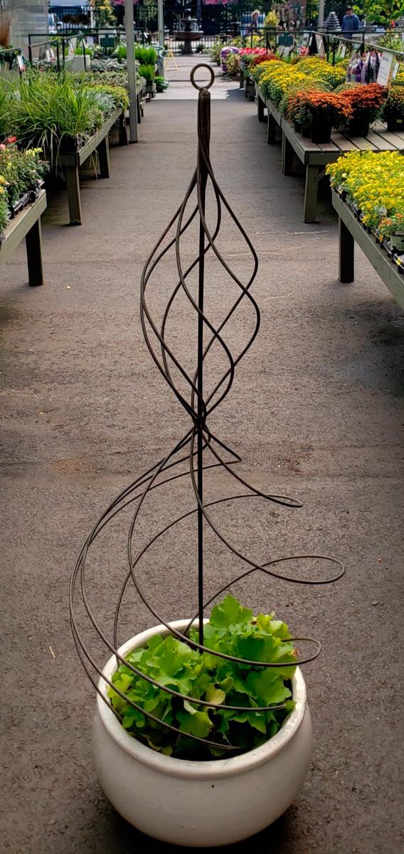 Artisan Trellis Topiary Spiral