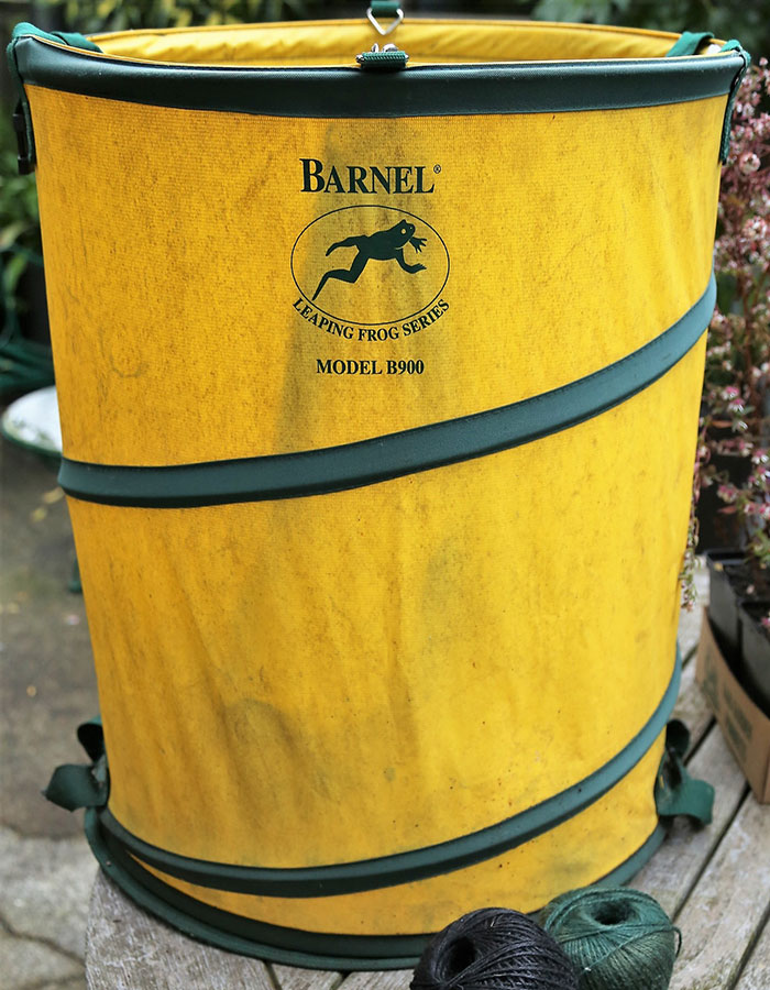 Barnel Spring Bucket