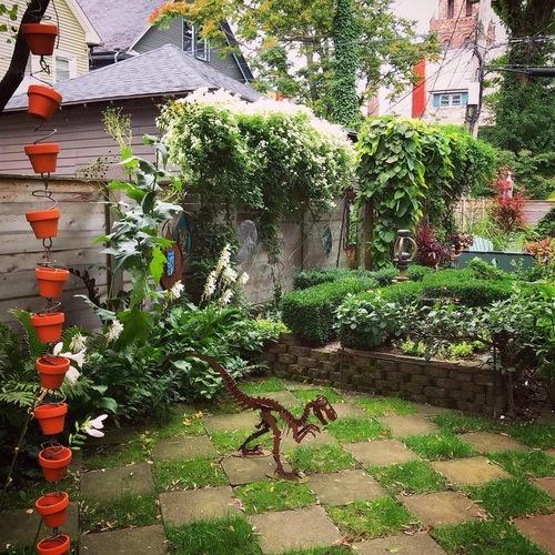 A Buffalo-Style Garden - FineGardening