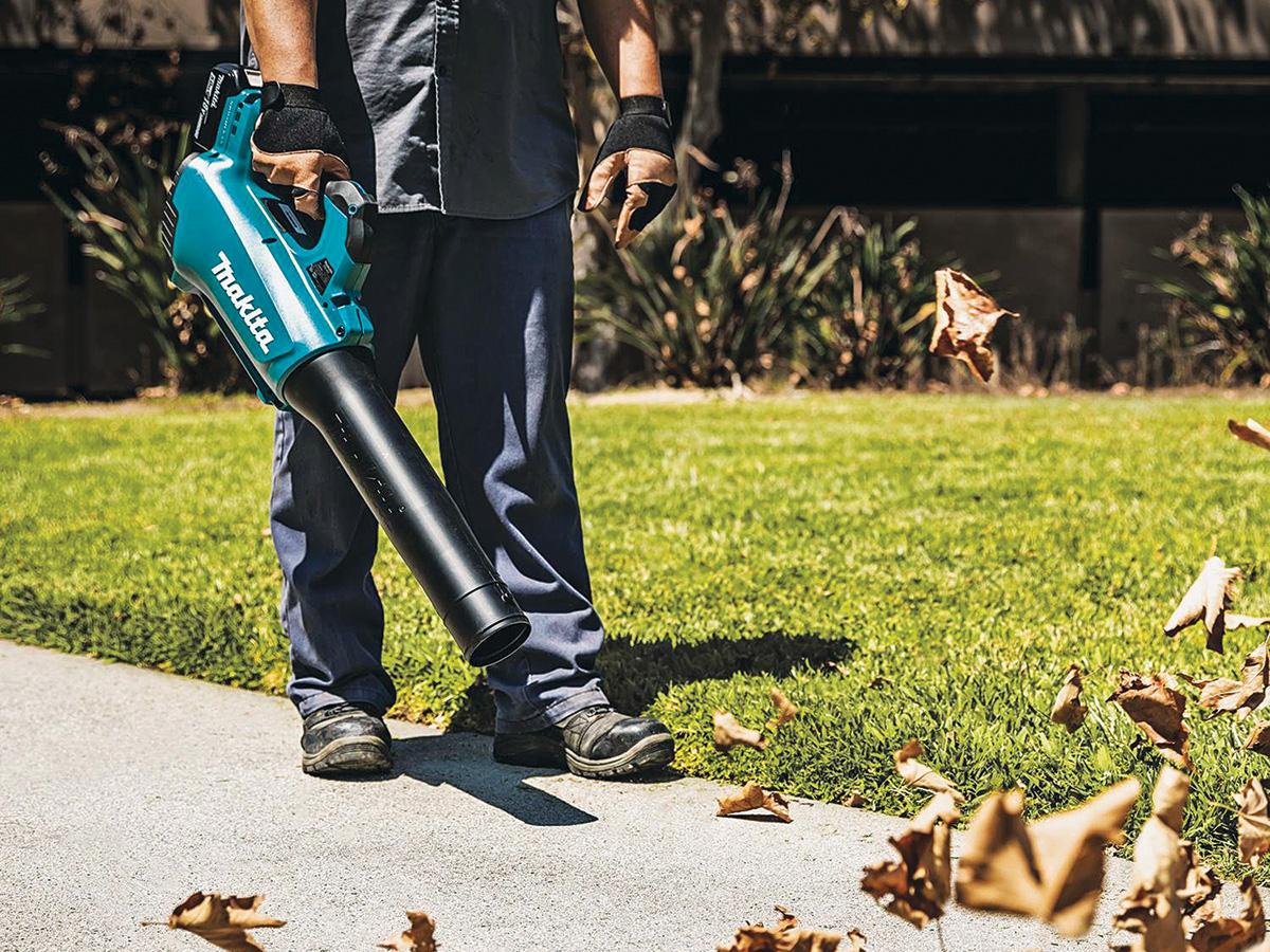 Makita leaf blower