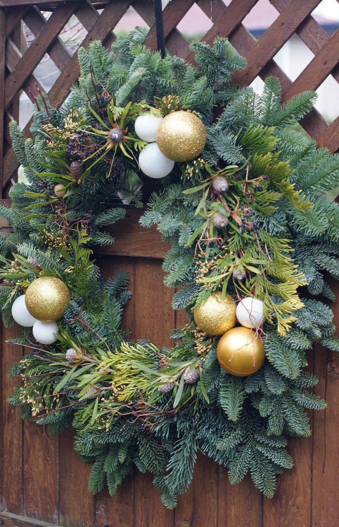 wreath with gold ornaments