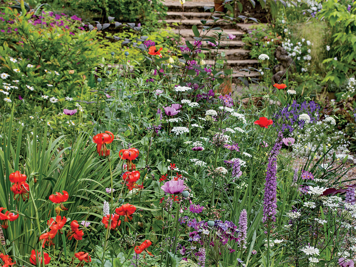 Classic cottage garden style