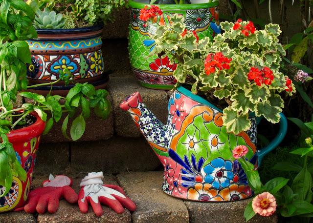 Talavery pottery