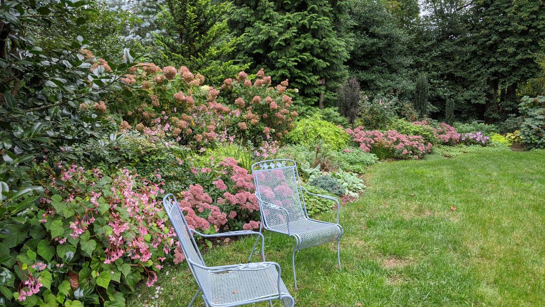 dusty pink garden theme