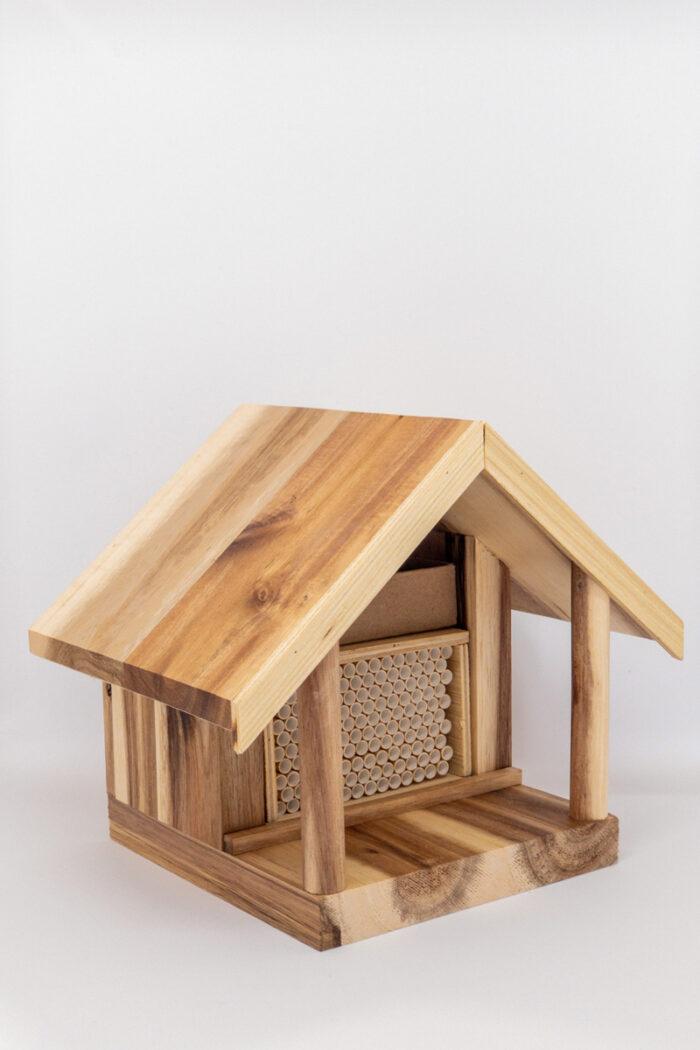 Kind bee farms bee house
