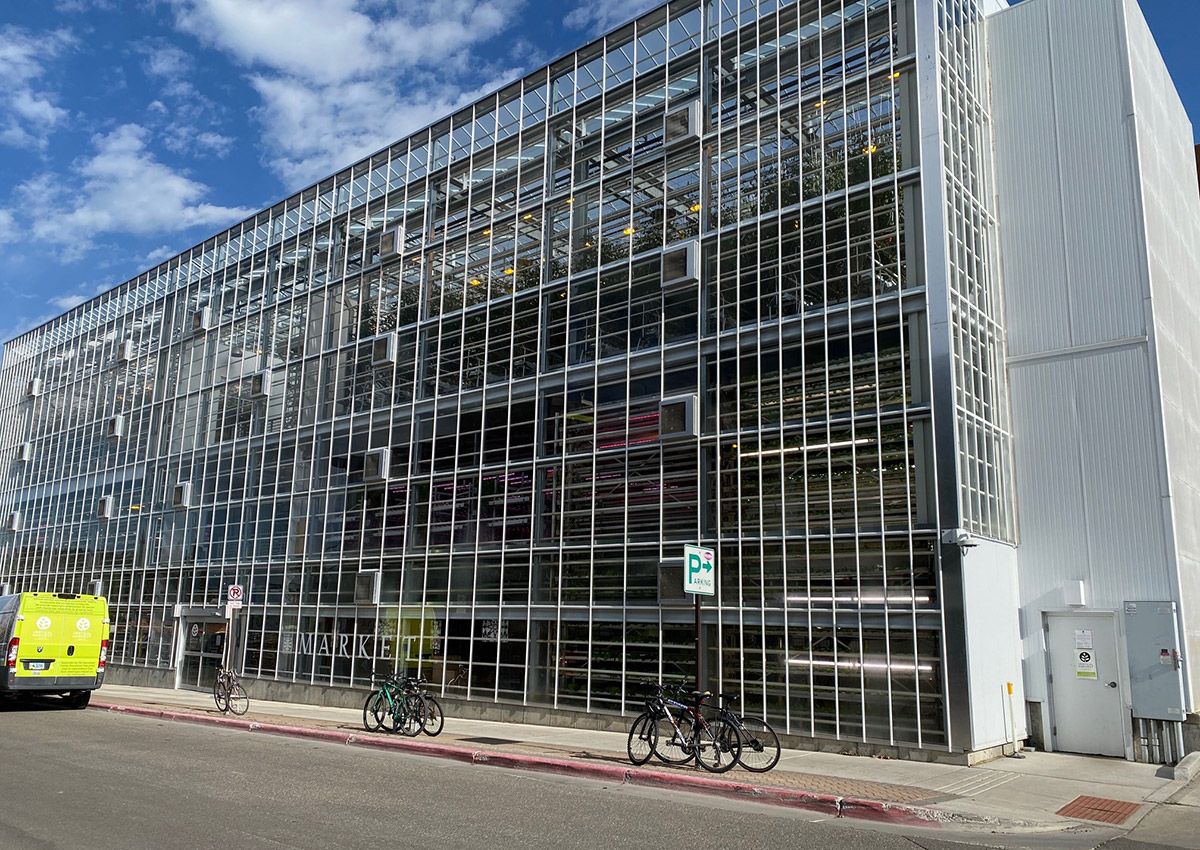 Vertical Farms 3-story greenhouse