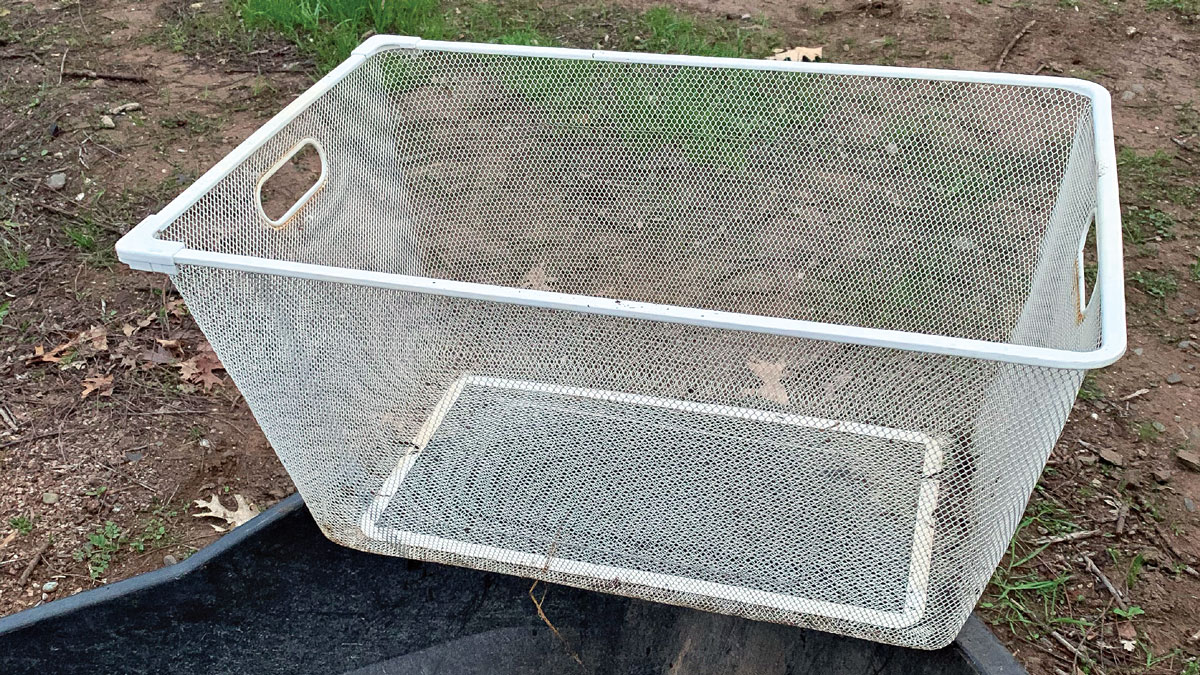 Laundry-basket sifter