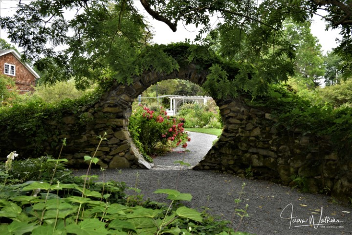 garden moon gate