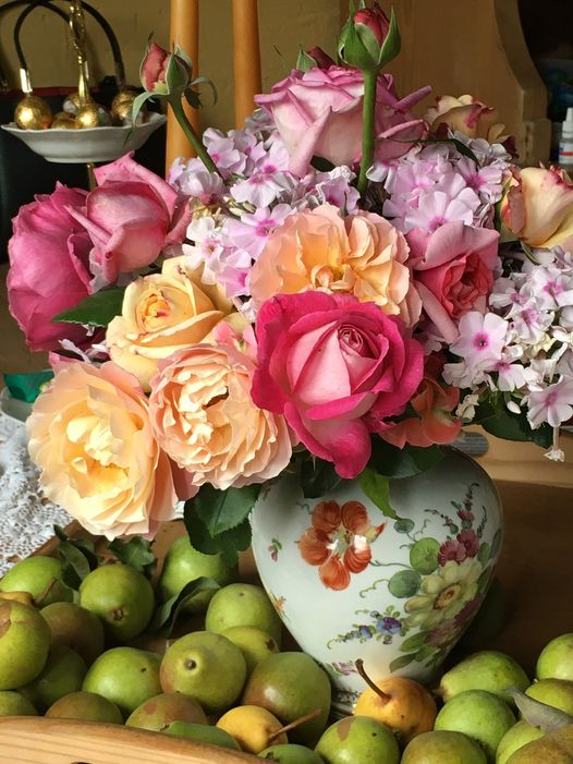 Charming bouquet from the garden.