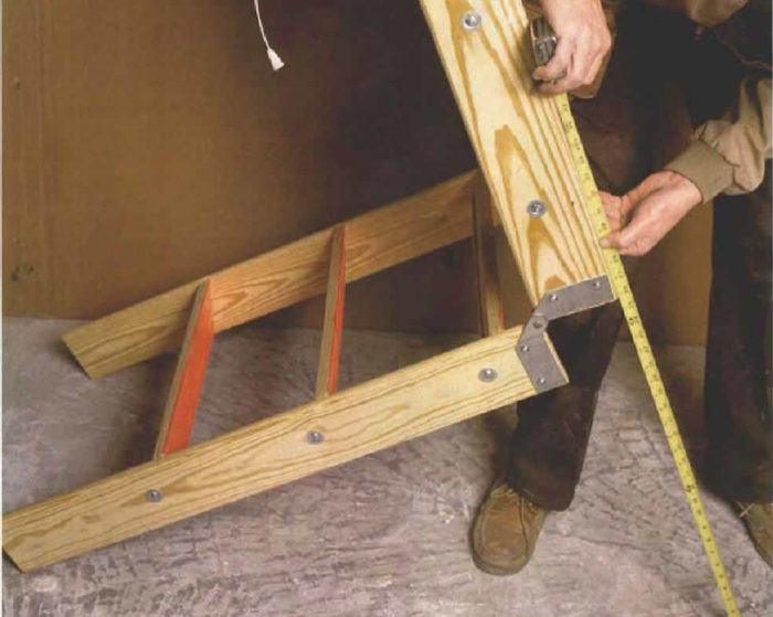 Charmant Synopsis: This Article Provides A Look At Several Types Of Attic Stairs  That Fold Or Slide Up And Out Of The Way When They Arenu0027t Needed.