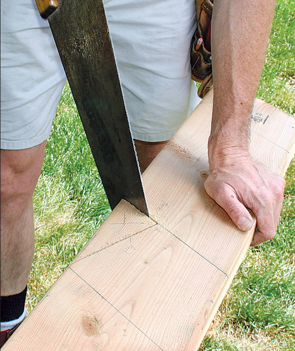 Complete the bird's mouth with a handsaw