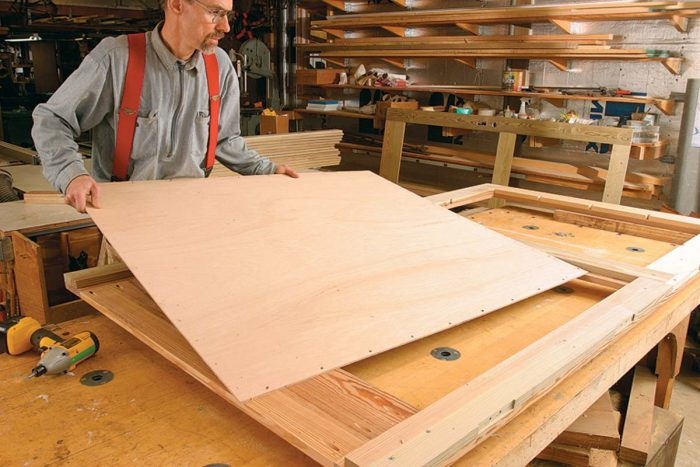 Cutting the middle frame members narrower than the outer frame members creates a rabbet or step where a 1⁄4-in. lauan-plywood panel can fit
