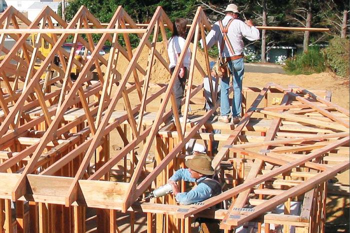 Rolling Roof Trusses - Fine Homebuilding