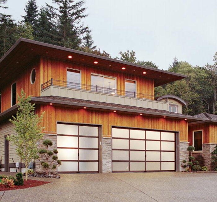 Synopsis: Just As Garage Doors Are Taking Up An Ever Larger Share Of Homesu0027  Façades, Old Sectional Garage Doors Have Undergone A Collective Face Lift.