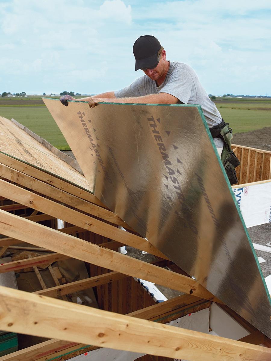 installing roof sheathing