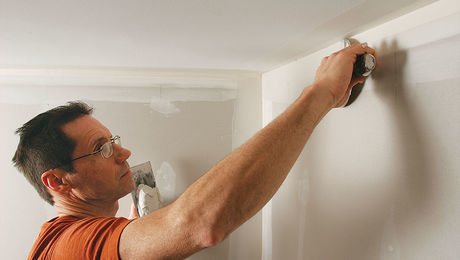 Drywall: Finishing an inside corner