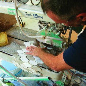 cutting mosaic tile