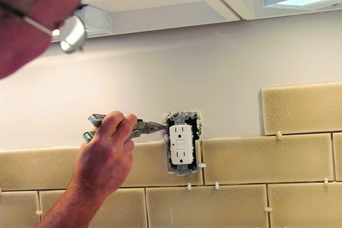 breakaway drywall compound around outlet