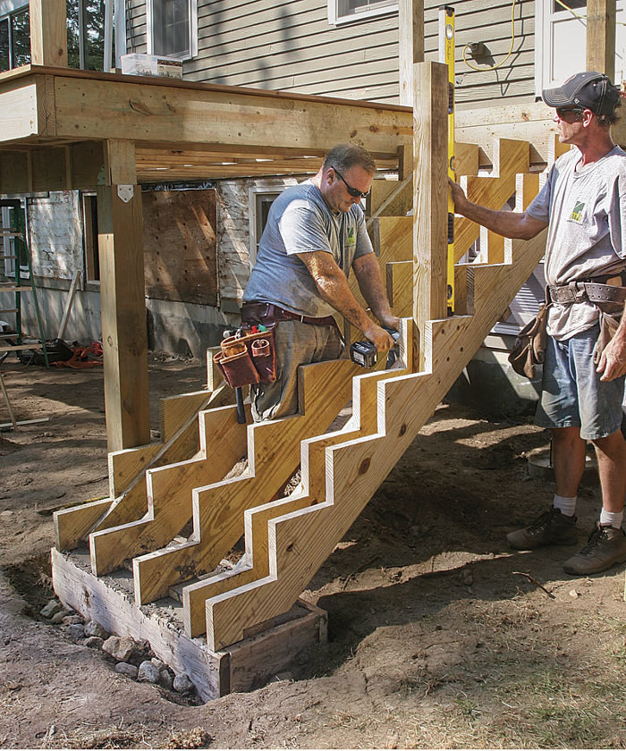 Build Strong Deck Stairs
