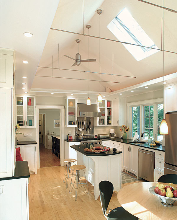 White Kitchen Vaulted Ceiling: Cathedral Ceiling Kitchen