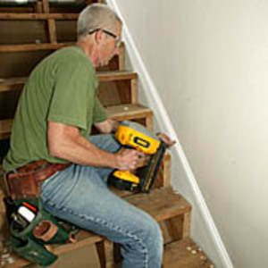 installation of notch-free skirtboards when trimming the staircase