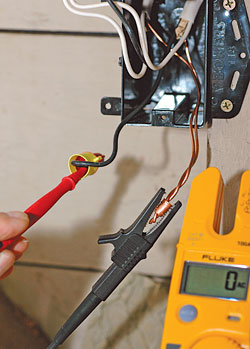 use a voltage tester to work safely around electricity fine rh finehomebuilding com how to test wiring continuity how to test wiring with a multimeter