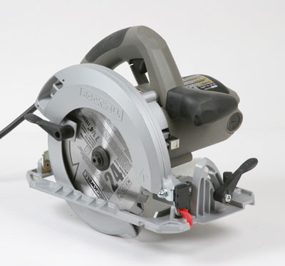 Rk3434 circular saw fine homebuilding instead of typical marks in the shoe this saw has a single plastic pointer that moves with the saws body but it leaves no way to mark both greentooth Images