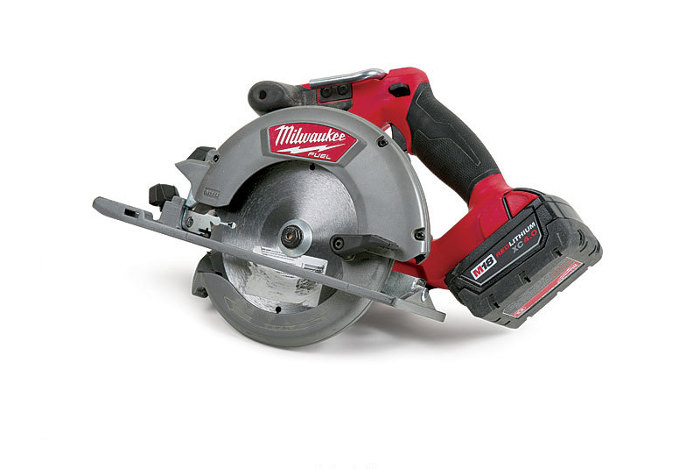 Milwaukee m18 fuel 2730 22 circular saw fine homebuilding article image greentooth Images
