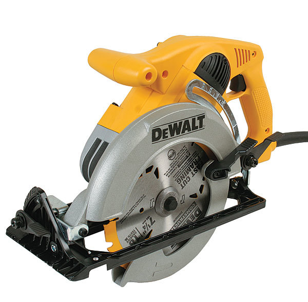 Dw378g circular saw review fine homebuilding dewalt has strayed from the classic elongated shape of a worm drive but if you are used to a sidewinder this tool is a more approachable saw greentooth Choice Image