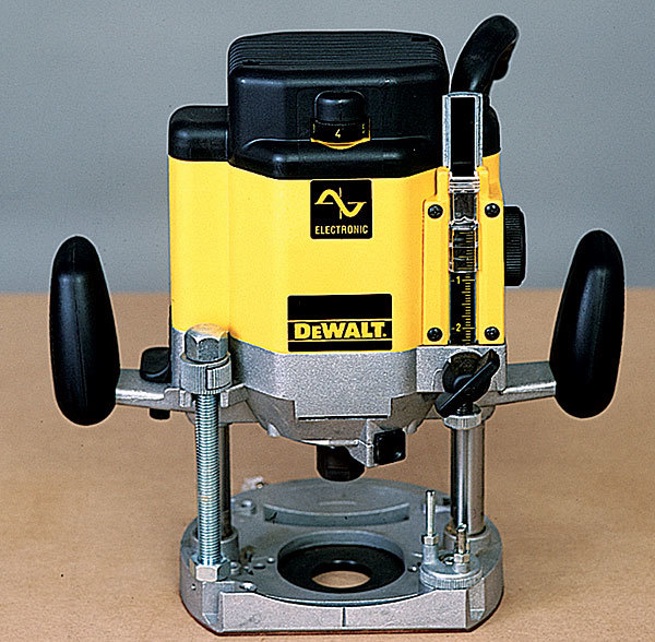 Dw625 router review fine homebuilding this large plunge router wasnt as well thought out as its smaller cousin its motor is loud but fairly smooth the plunge action is smooth too greentooth Gallery
