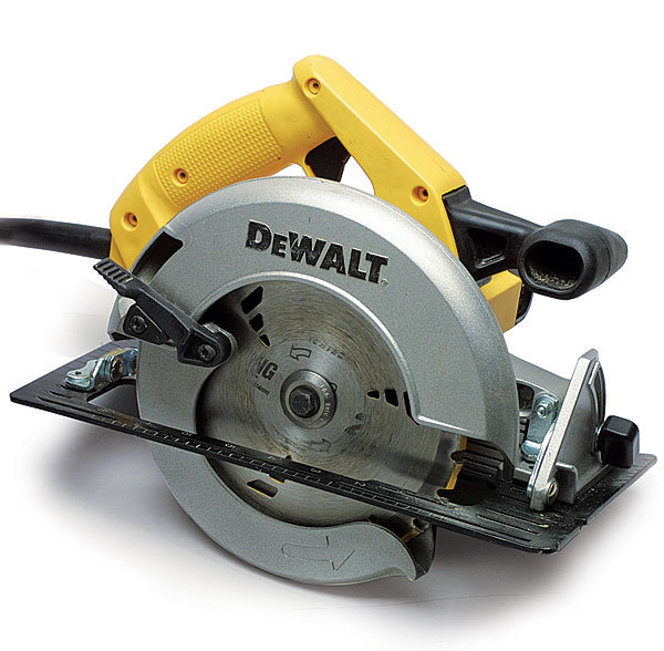 Dw359 circular saw review fine homebuilding this circular saw is comfortable powerful and easy to use especially for people with big hands who like big handles the blade guard retraction lever is greentooth Choice Image