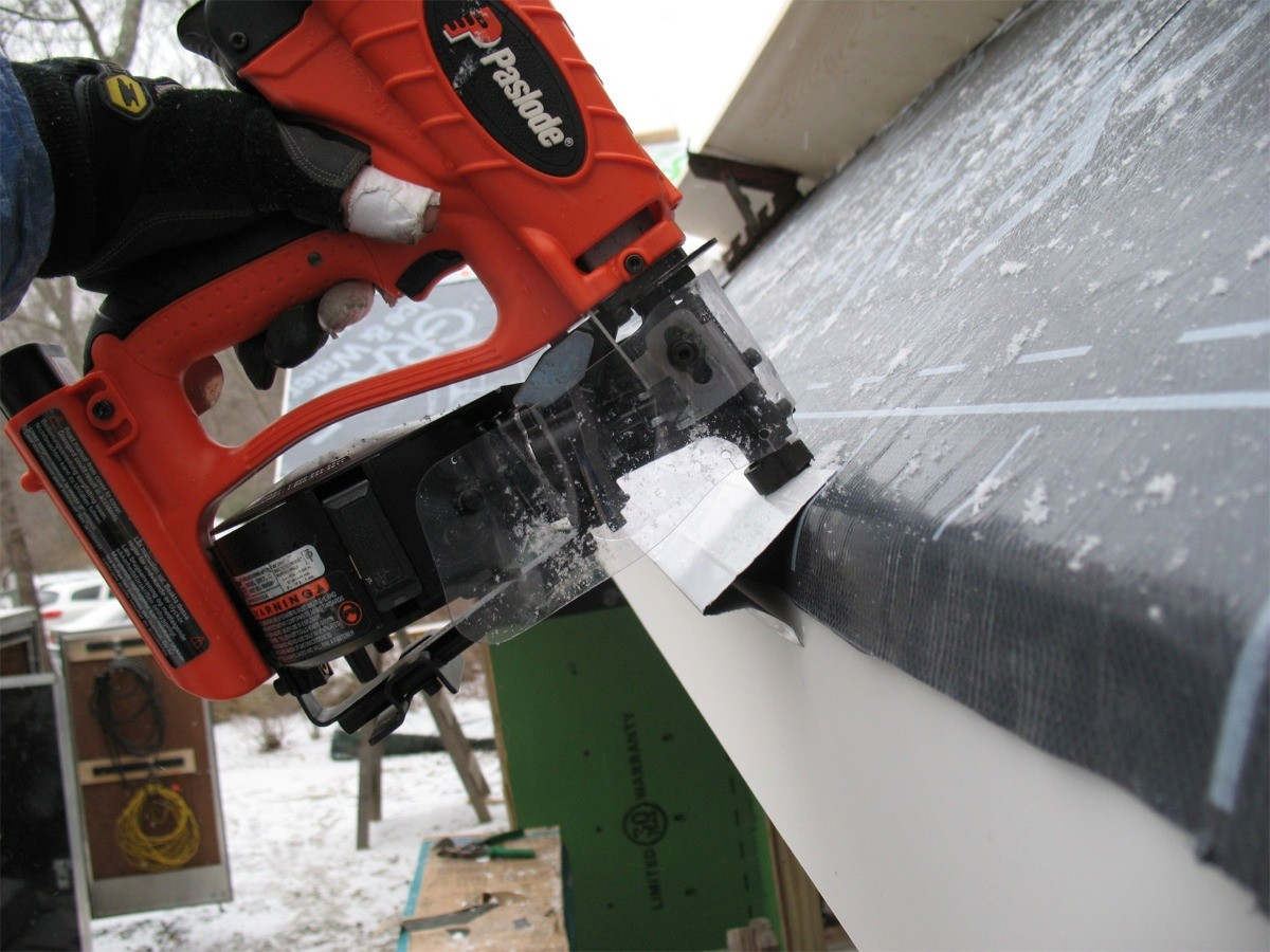 Paslode CR175C Cordless Gas-Powered Roofing Nailer - Fine Homebuilding