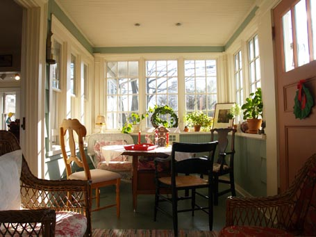 Attrayant An Enclosed Porch Invites Low, Winter Light Deep Within It To Brighten  Spirits And Enliven Neighboring Spaces. It Provides An Intimate Get Away  Thatu0027s Still ...