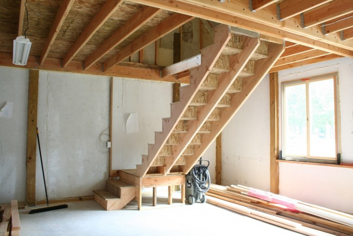 Charmant The Completed Stair To Our Barnu0027s Loft Space Has 14 Risers And 14 Treads.  The Landing Is Supported With A Ledger And A Short Stud Wall That I Screwed  To The ...