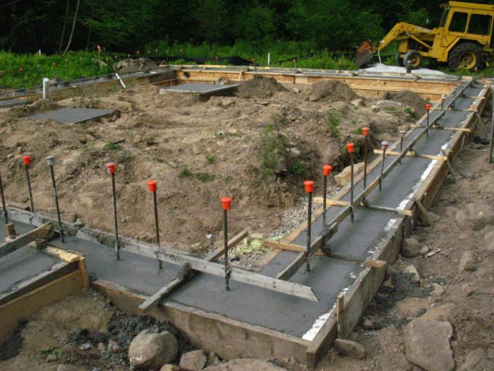 Placing Concrete in the Footings - Fine Homebuilding