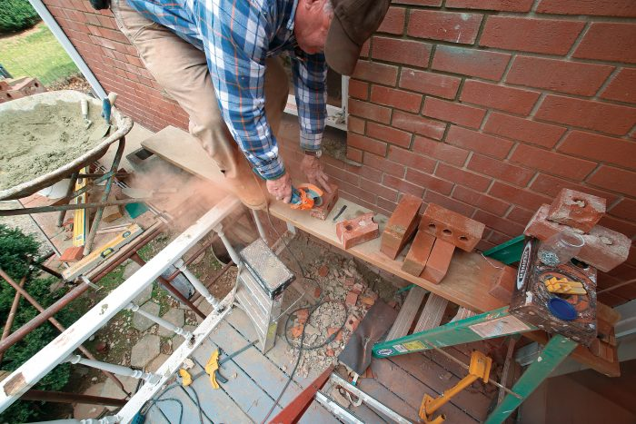 cutting brick with an angle grinder and diamond blade