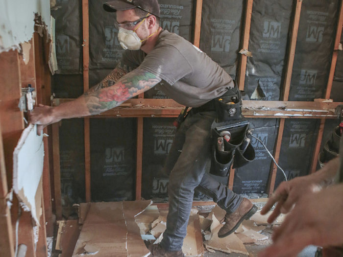 Most People Think That The Demolition Is The Easy Part Of Remodeling A  Kitchen. Simply Show Up With Your Muscles And Sledgehammers And Go To Town.