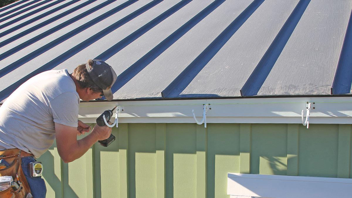 installing gutter hangers