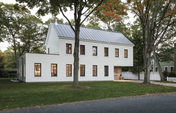 Synopsis: The 2018 Best New Home Award Goes To Architect Matthew Ou0027Malia  And The Team At GO Logic For This Traditional New England Home With A  Modern ...
