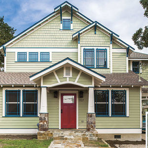 Bungalow Rebirth: 2 Historic Texas Homes Reimagined