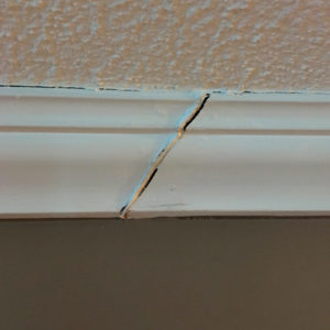 Crown molding joint