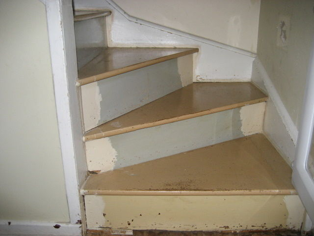 Winder stairs- notched stringer style - Fine Homebuilding