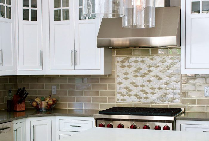 tile a kitchen backsplash