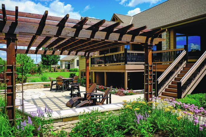 How to Build Patios, Walkways, and Driveways