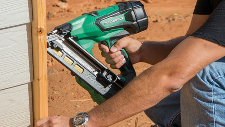 Hose-free Finish Nailers