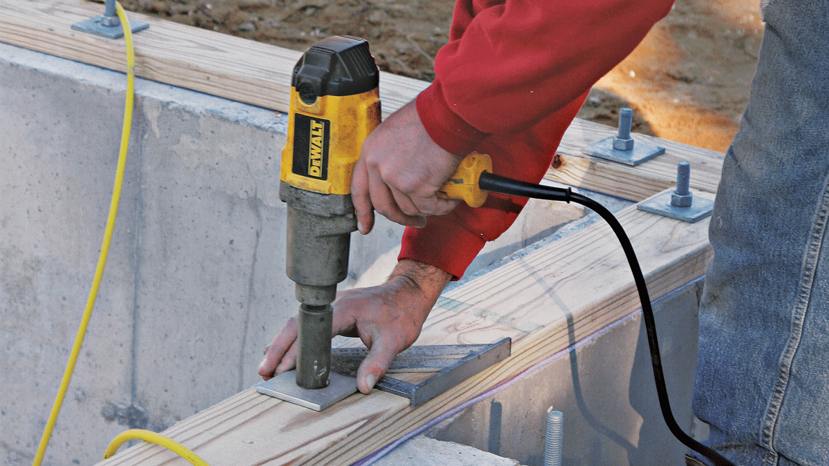 If large square washers are used on the foundation bolts, align them with a square so they won't later interfere with the rim joists. Don't overtighten the nuts!