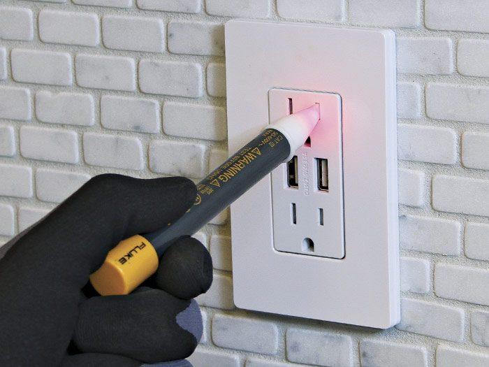 test the voltage tester